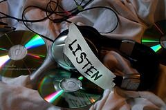 Top 5 Websites To Listen To CDs Before Buying
