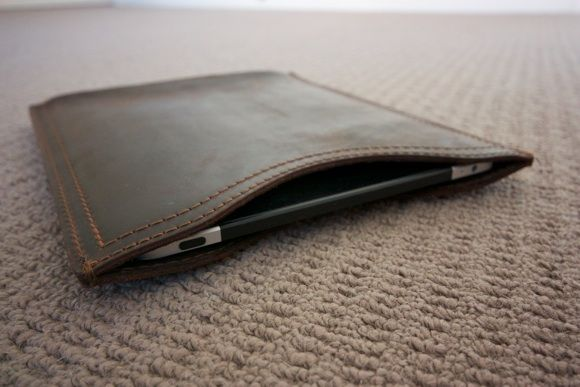 Saddle Up! Leather Laptop Bags & iPad Sleeves Up For Grabs [Giveaway] IMG 1964