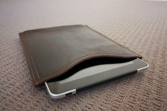 Saddle Up! Leather Laptop Bags & iPad Sleeves Up For Grabs [Giveaway] IMG 1965