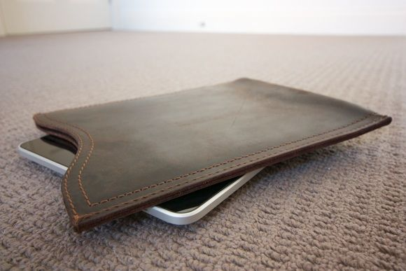 Saddle Up! Leather Laptop Bags & iPad Sleeves Up For Grabs [Giveaway] IMG 1969