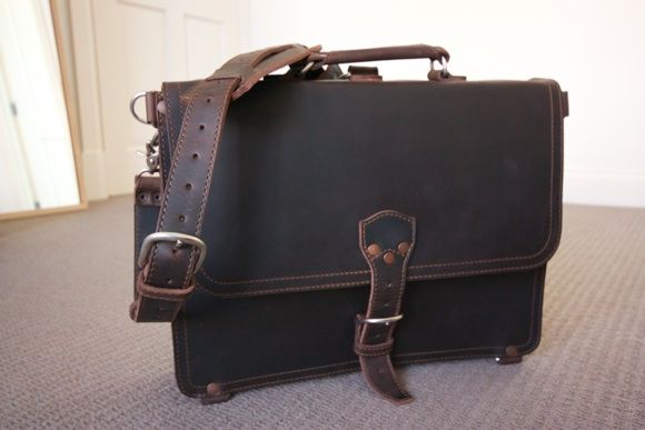 Saddle Up! Leather Laptop Bags & iPad Sleeves Up For Grabs [Giveaway] IMG 1971