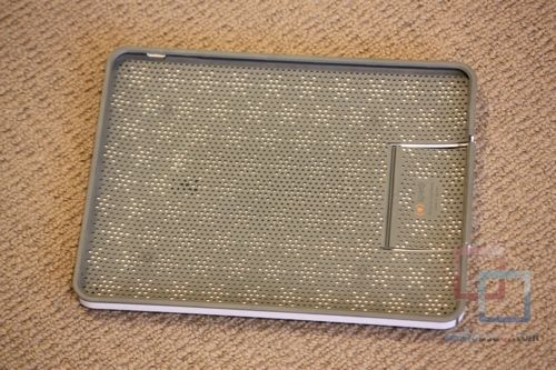 MakeUseOf Review & Giveaway: CandyShell iPad Case by Speck IMG 2128