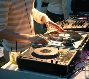 Create A Professional DJ Party Mix With OTS Turntables