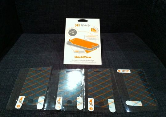 MakeUseOf Review & Giveaway: Fitted iPhone 4 Case by Speck speckshieldview