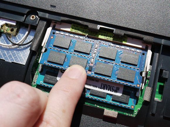 How To Upgrade Your Laptop In a Flash: Add a New Hard Drive & Increase RAM replaceram8
