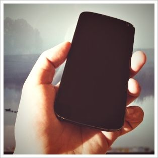 Google Nexus 4 Review and Giveaway