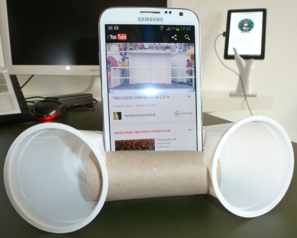 how to use speakers with smartphone