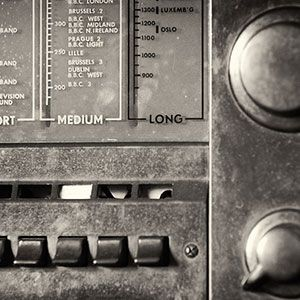Bored Of Podcasts? Listen To Old Time Radio Instead!