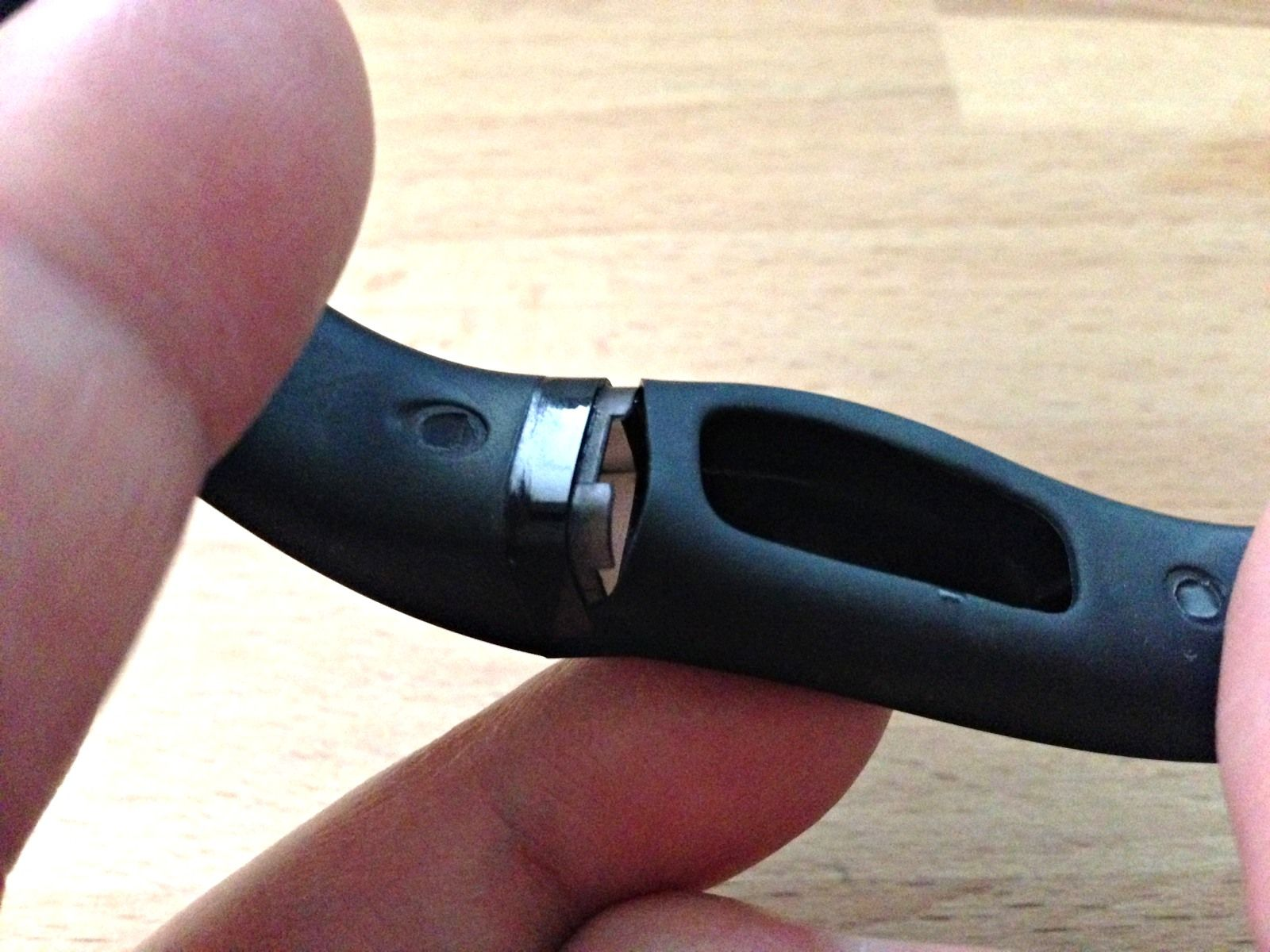 Fitbit Flex vs. Jawbone UP: A Comparative Review fitbit
