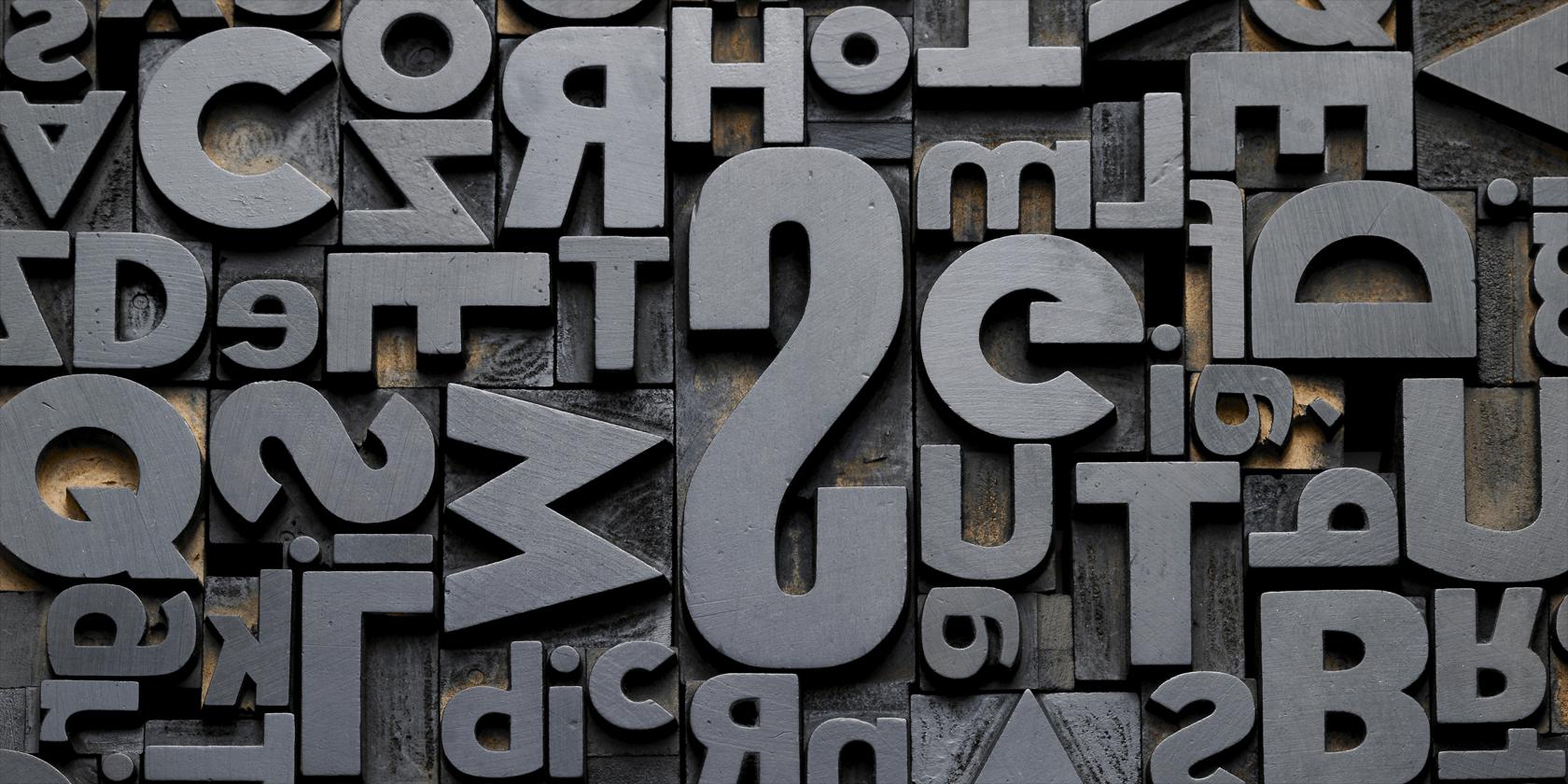 Wie man irgendeine Schriftart auf irgendeiner Webseite die einfache Art