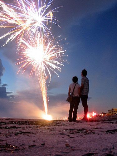 How To Photograph a Fireworks Display couple