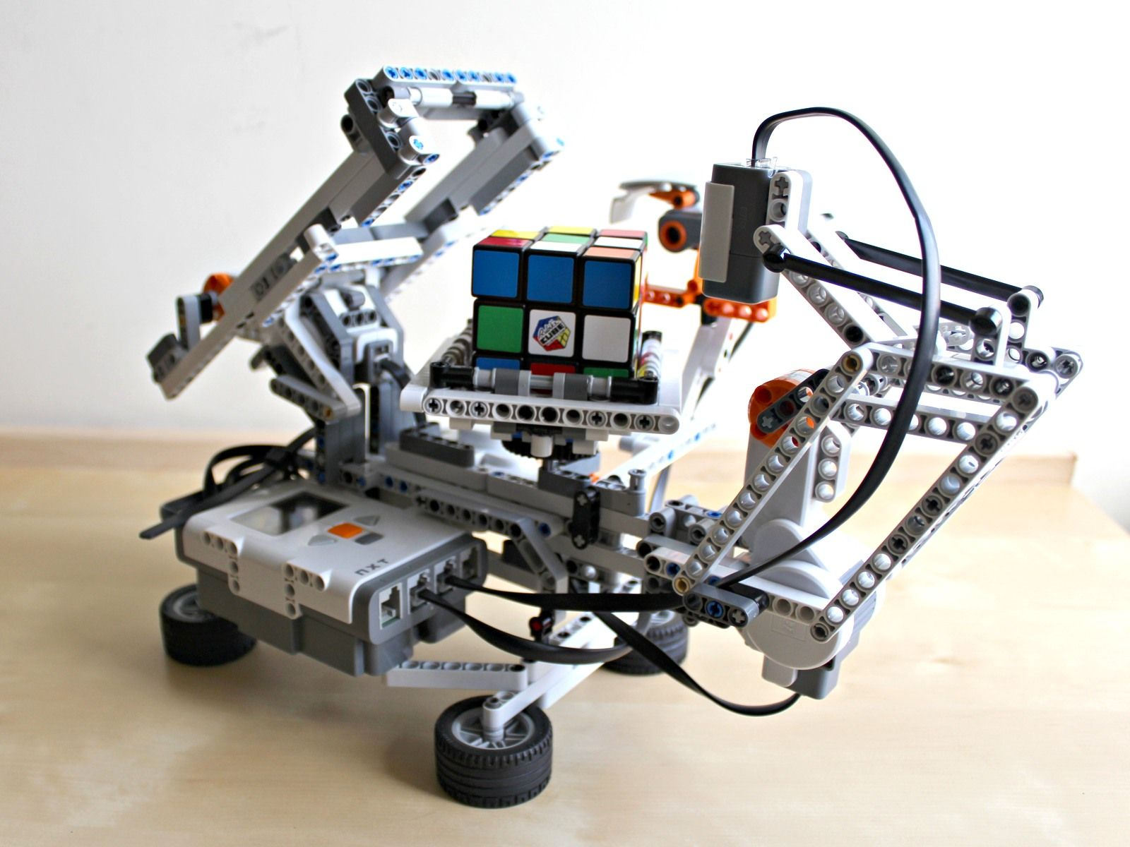 LEGO Mindstorms NXT Driver (2019)