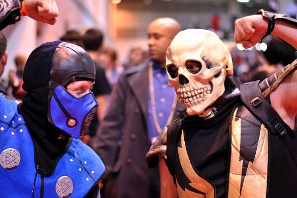7 Signs You're a Living Piece of Gaming History mortal kombat cosplayers