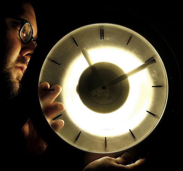 How To Time Travel Through The Brief History Of The Internet timely reminder