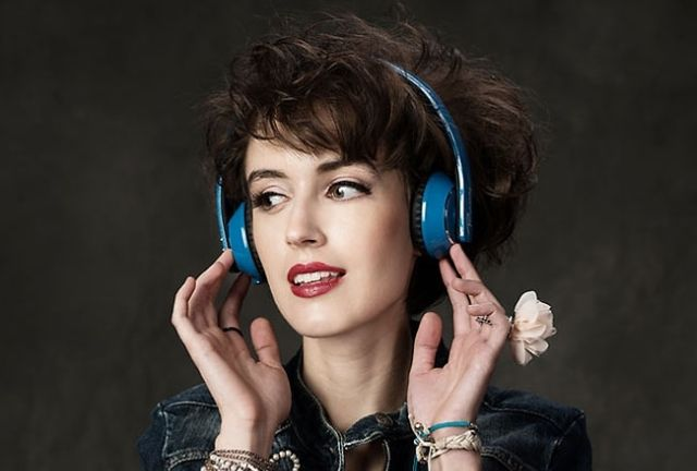 How-To-Buy-Bluetooth-Headphones-Stereo-Music