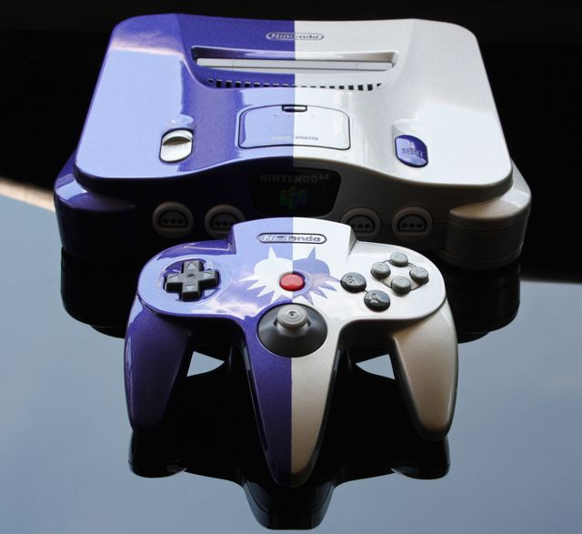 15 Awesome Custom-Painted Nintendo Consoles and Controllers nintendo 1