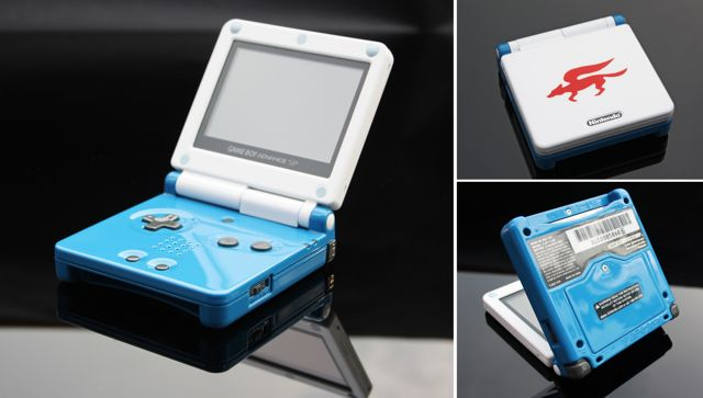 15 Awesome Custom-Painted Nintendo Consoles and Controllers nintendo 10