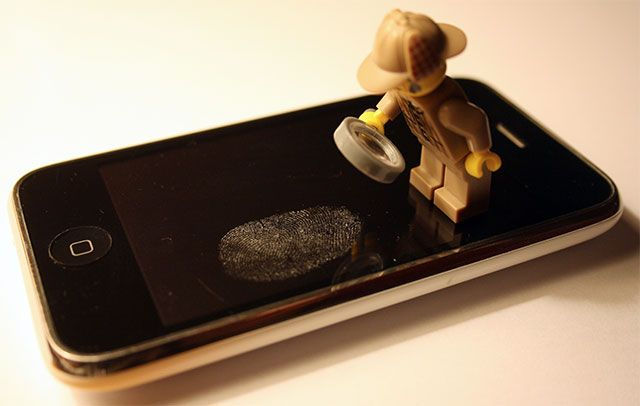 Does the iPhone 5S Fingerprint Scanner Increase The Chance of Theft? iphone fingerprint