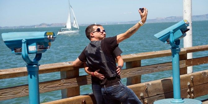 5 Things To Avoid When Taking Selfies