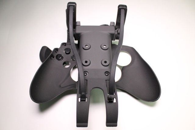 Avenger Elite Defcon F4 Review And Giveaway avenger elite defcon f4 xbox controller review 5