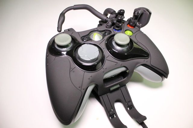 Avenger Elite Defcon F4 Review And Giveaway avenger elite defcon f4 xbox controller review 7