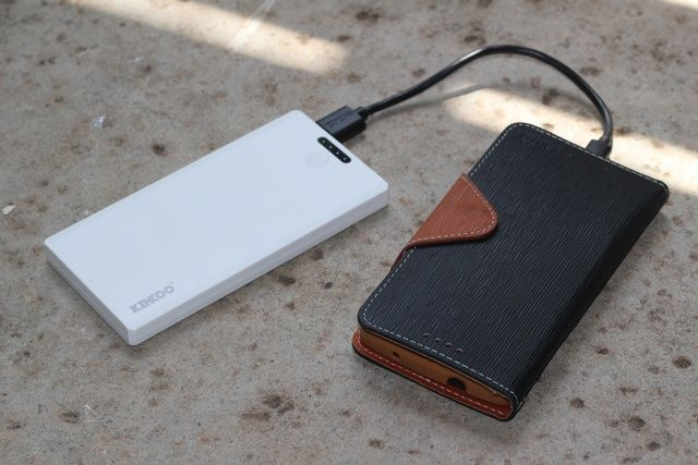 Kinkoo Infinite One Portable Battery Bank Review and Giveaway kinkoo infinite one review 2