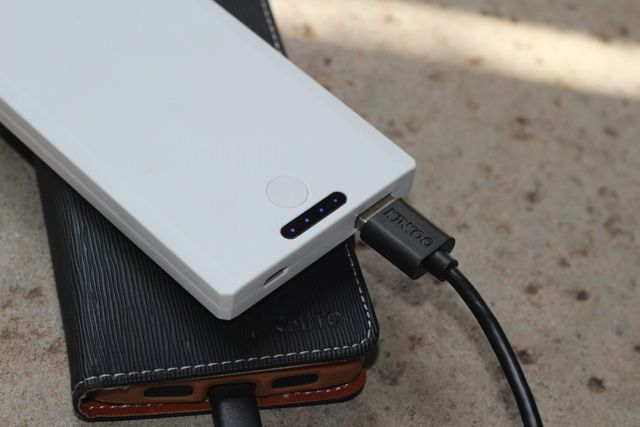 Kinkoo Infinite One Portable Battery Bank Review and Giveaway kinkoo infinite one review 3