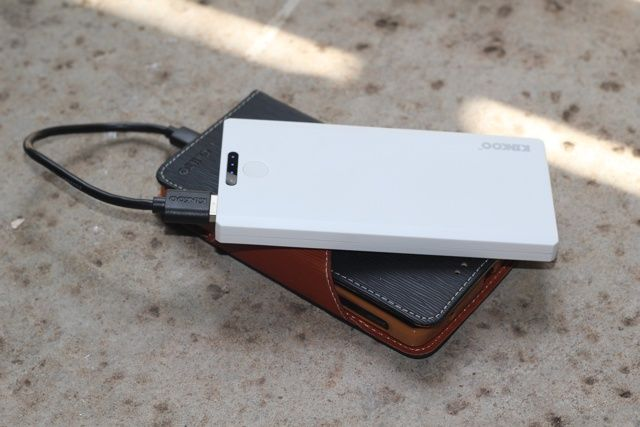 Kinkoo Infinite One Portable Battery Bank Review and Giveaway kinkoo infinite one review 4