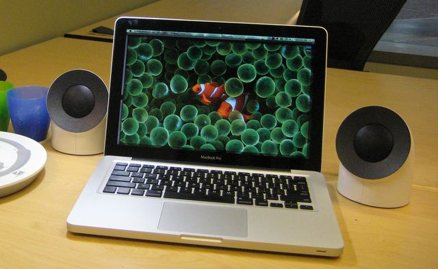 macbook-speakers