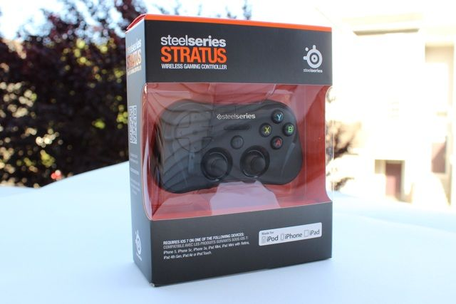 SteelSeries Stratus iOS Game Controller Review And Giveaway steelseries stratus review 1