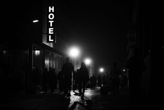 hotel-night-photography