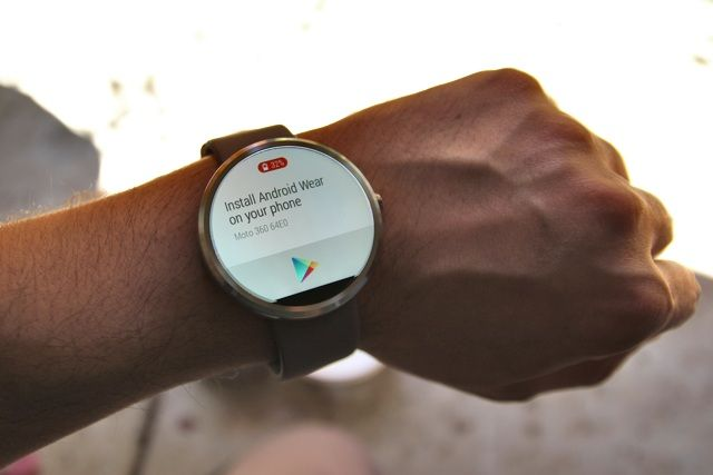 Motorola Moto 360 Android Wear Smartwatch Review and Giveaway motorola moto 360 android wear smartwatch review 2