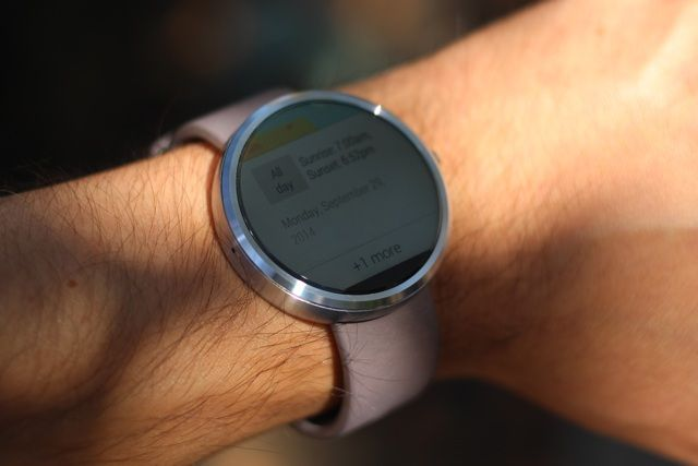 Motorola Moto 360 Android Wear Smartwatch Review and Giveaway motorola moto 360 android wear smartwatch review 6