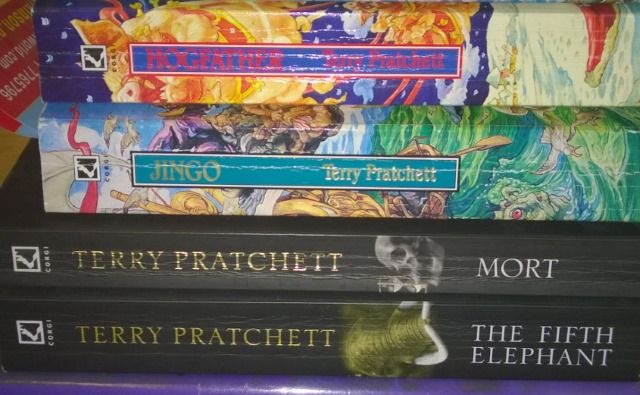 muo-terrypratchett-books