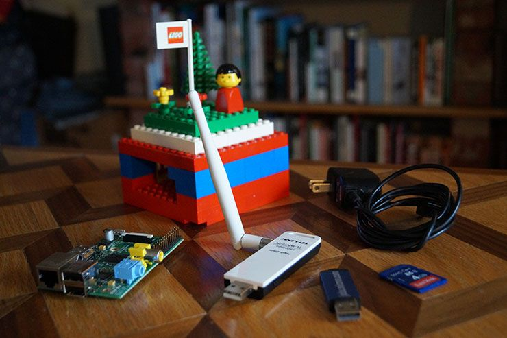 Build Your Own Wireless Dead Drop For File Sharing piratebox components better
