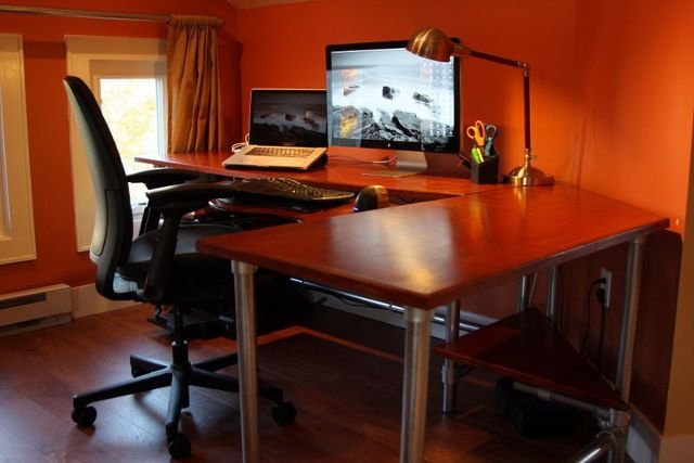 diy-office-woodworking-ergonomic-computer-desk