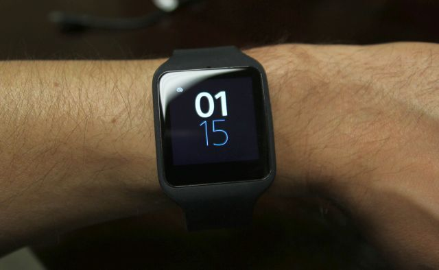sony smartwatch 3 lcd backlight on