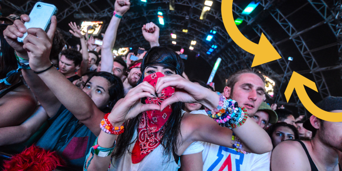 Why Selfie Sticks Should Be Banned From Music Festivals