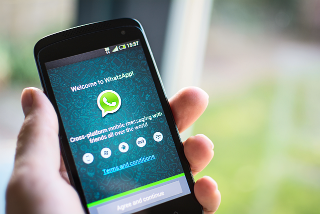 Whatsapp-Call-iOS-Android-stock