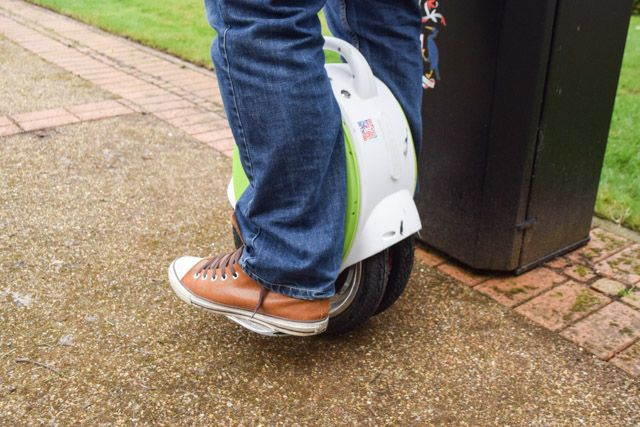 airwheel q5 - standing 2