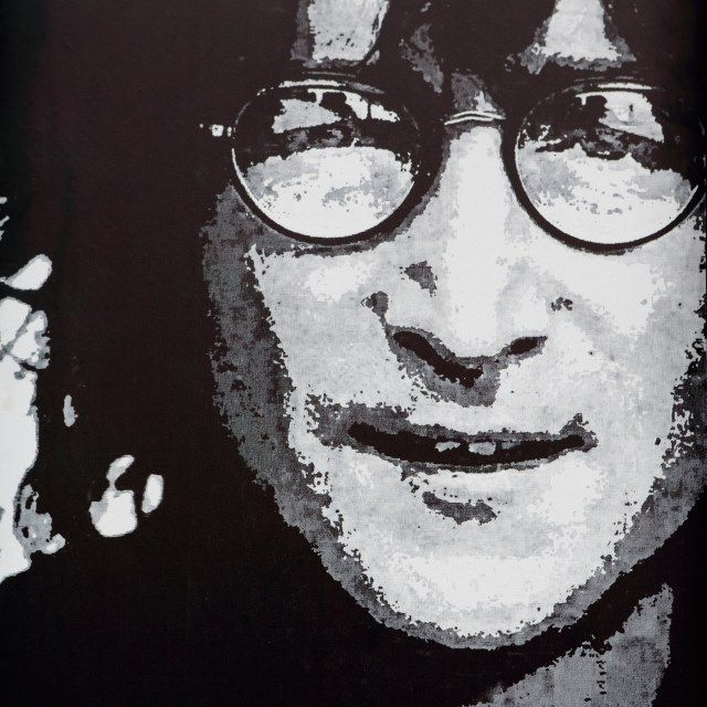 muo-entertainment-paulisdead-lennon-art