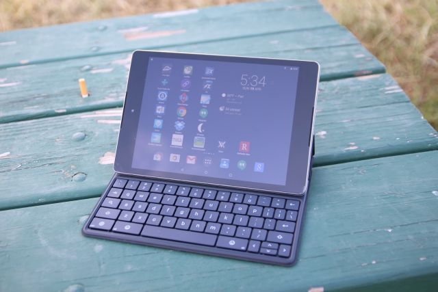 nexus 9 with bluetooth keyboard attached