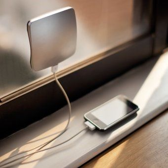 10 Smarter Ways to Charge Your Smartphone muo ios smartphone chargers window