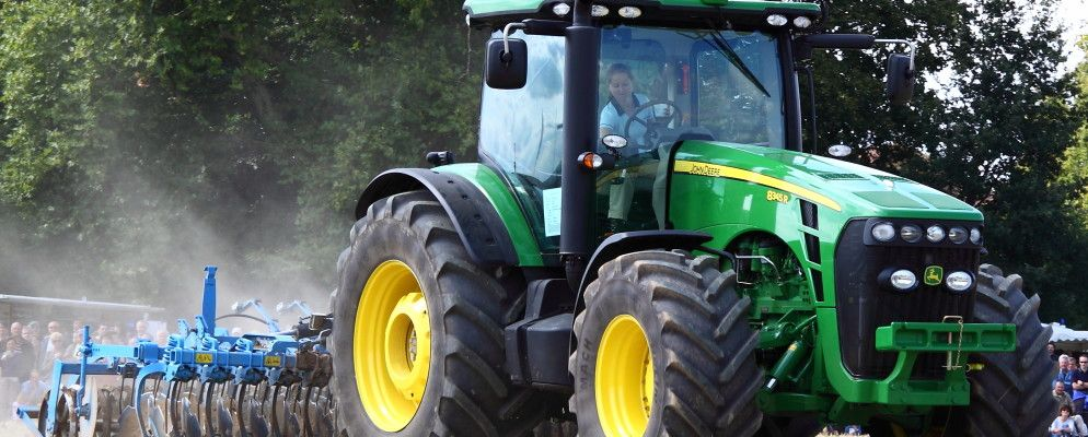 Nothing drms like a deere why farmers cant fix their own tractors fandeluxe Choice Image