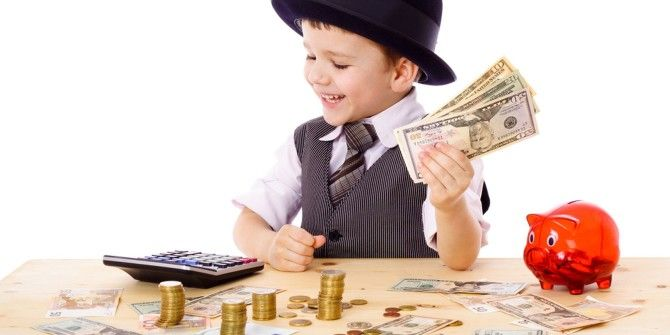 4 Tricks to Make Your Kids Become Responsible Savers
