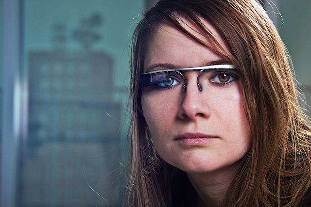 futuristic-google-glasses
