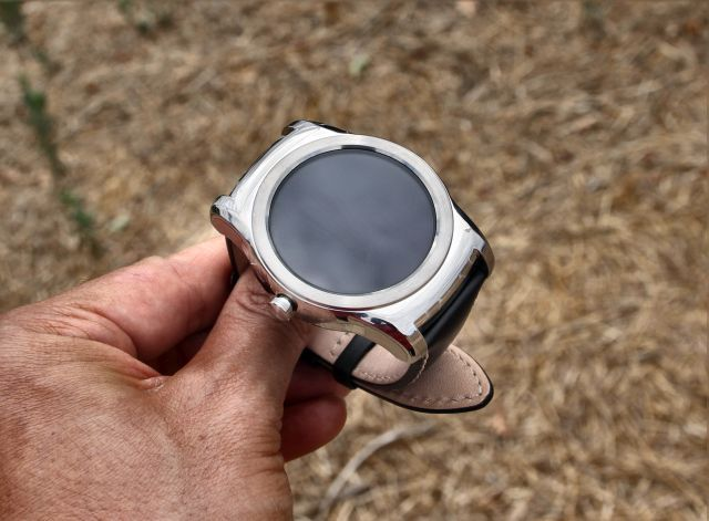 lg watch urbane chrome body