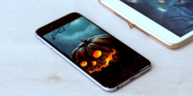 8 Great IPhone Wallpaper Apps For Halloween Christmas And More