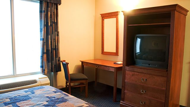 hotel-rooms