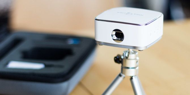 iDea Pico Portable Wireless Projector Review and Giveaway